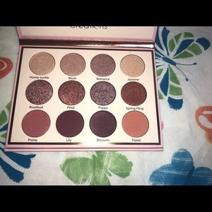 Beauty Creations Eye Bloom Palette